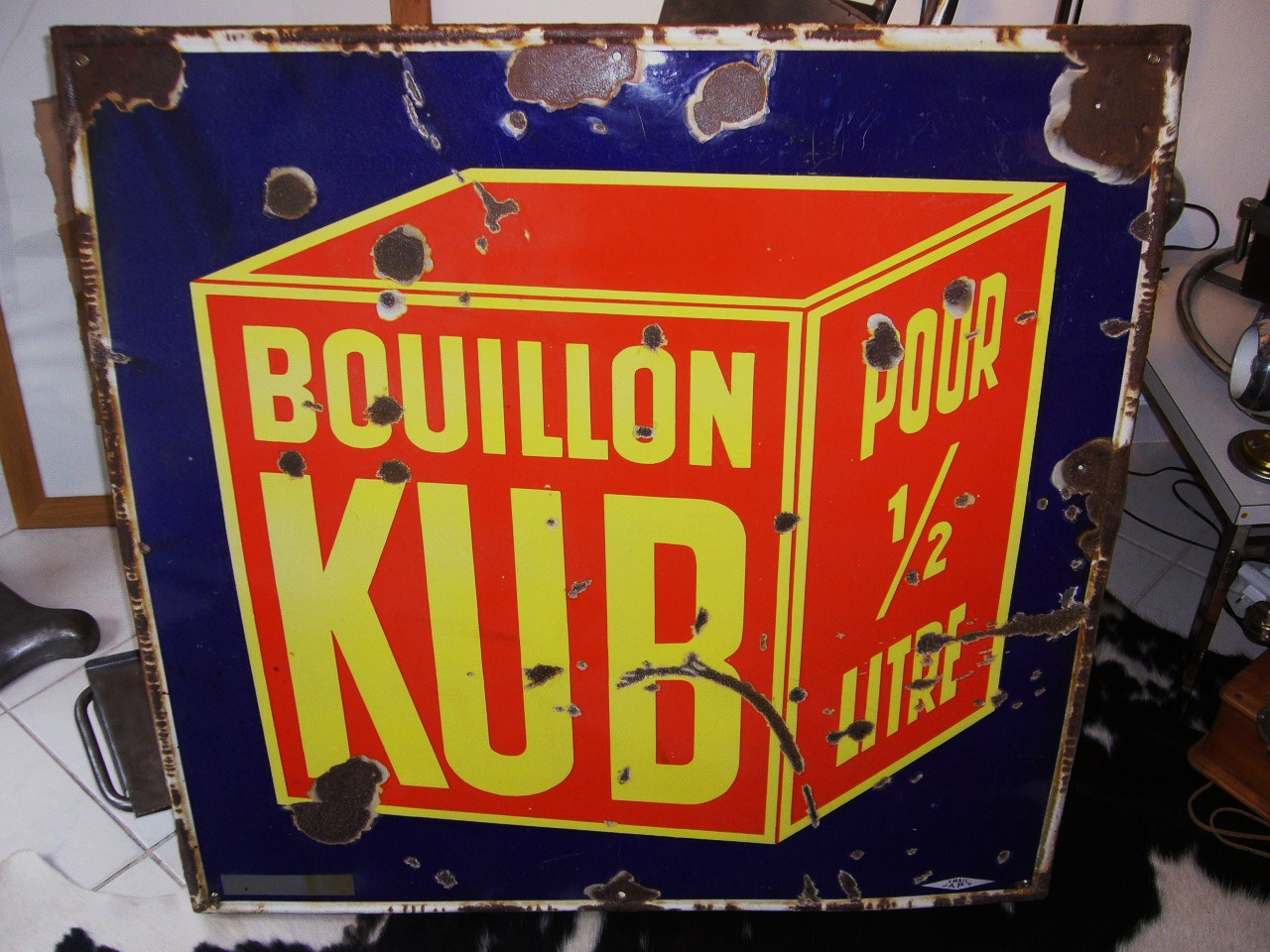 plaque emaillee bouillon kub at bertrand legrix antiquites du xxe si cle. Black Bedroom Furniture Sets. Home Design Ideas