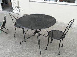 Salon de jardin en fer forgé noir mat année 50/60 dans 3 MOBILIERS P5180089-300x224